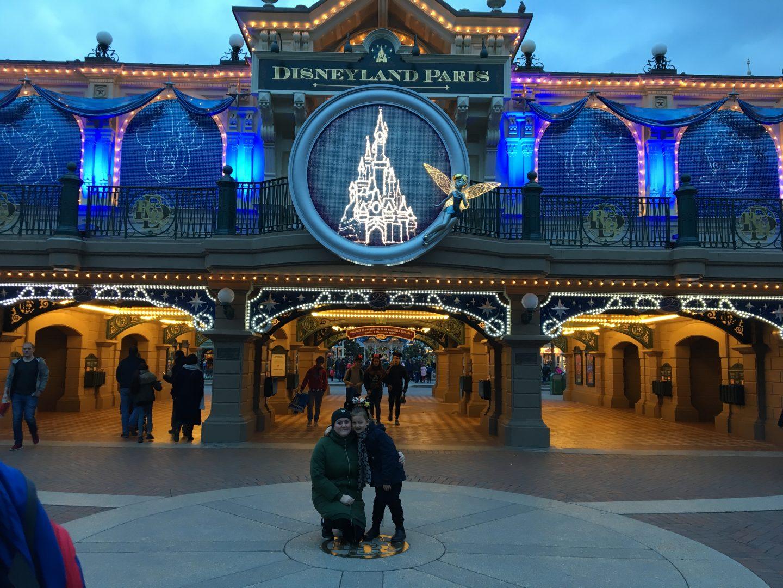 Disneyland har kørt et tilbud i anledning af deres 25 års fødselsdag, et rigtig godt tilbud, og derfor slog vi til.